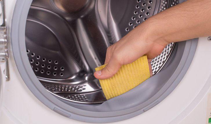 cara membersihkan mesin cuci front